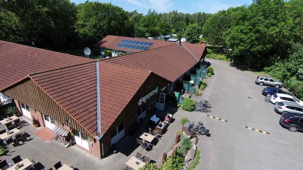 Luftbild Gästehaus Lietzow Richtung Störtebeker Camp